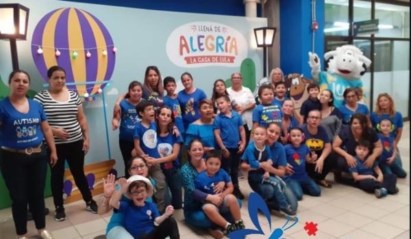 Organizaciones solicitan veto presidencial de la «ley autista»
