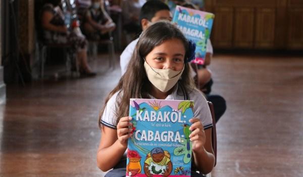 Libro infantil conecta a niñas y niños de San José y Cabagra mediante historias indígenas