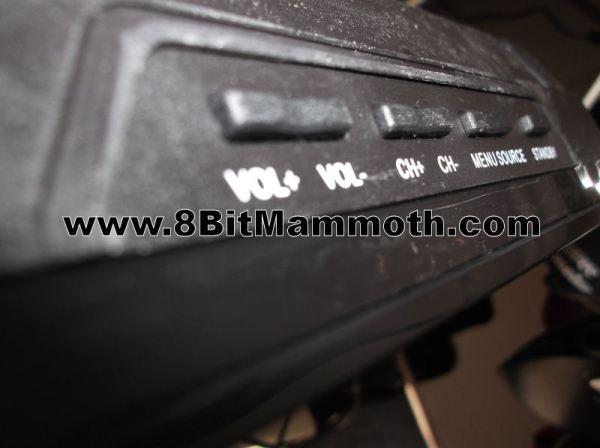 Technika 39 Inch HD TV LCD39-C273 Buttons