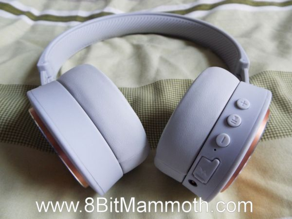 Photo of the BP300 / 8710F headphones