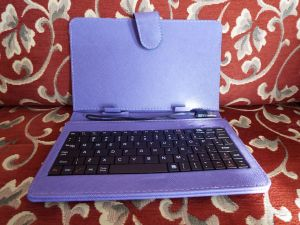 Keyboard in a Case with USB Connection for a 7 Inch Android Tablet