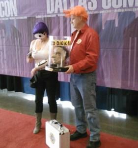 Fry and Leela cosplay