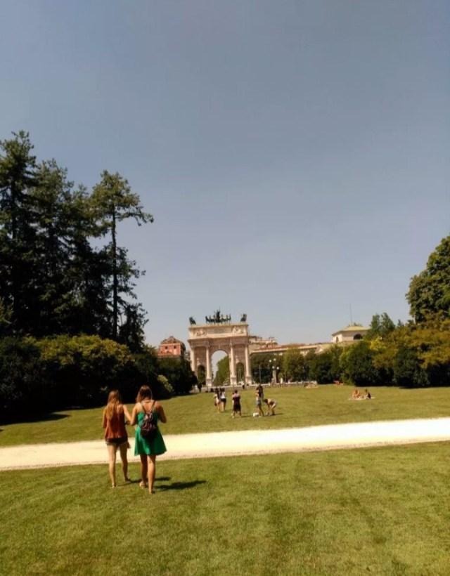 8-sorbos-de-inspiracion-Milán- cosas-imprescindibles-que-hacer-parque-sempione