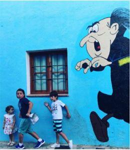 8-sorbos-de-inspiracion-juzcar-pueblo-de-los-pitufos-viajar-con-niños-málaga-que-hacer-en-malaga-niños-gargamel-papa-pitufo