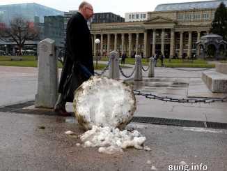 Schmelzender Riesenschneeball