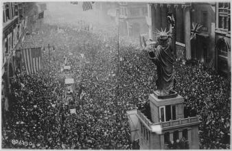 The announcing of the Armistice: November 11, 1918
