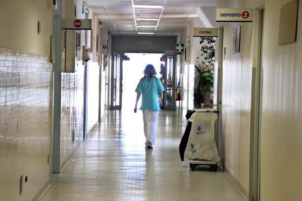 CATANIA:  MORTA DOPO INTERVENTO, 6 MEDICI INDAGATI