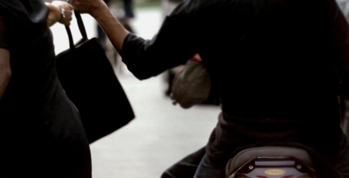 CATANIA: Arrestato uno scippatore grazie all'intervento di un passante