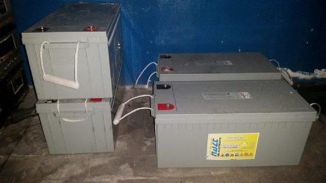 CATANIA: Rubano oltre 300 batterie industriali e scappano: denunciati 3 palermitani