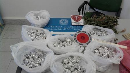 CATANIA: La polizia sequestra un chilo di marijuana