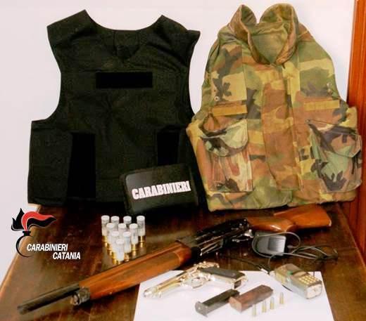CATANIA: Nascondevano armi in casa, arrestati padre e figlia