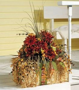 Easy But Inspiring Outdoor Fall Decoration Ideas 23
