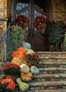 Easy But Inspiring Outdoor Fall Decoration Ideas 65