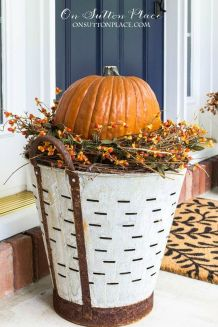 Easy But Inspiring Outdoor Fall Decoration Ideas 87