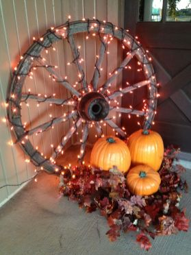 Easy But Inspiring Outdoor Fall Decoration Ideas 92
