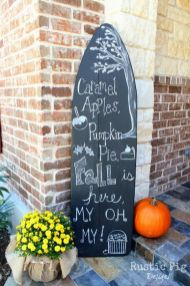 Easy But Inspiring Outdoor Fall Decoration Ideas 97