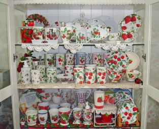 Beautiful Red Themed Kitchen Design Ideas For Christmas 02