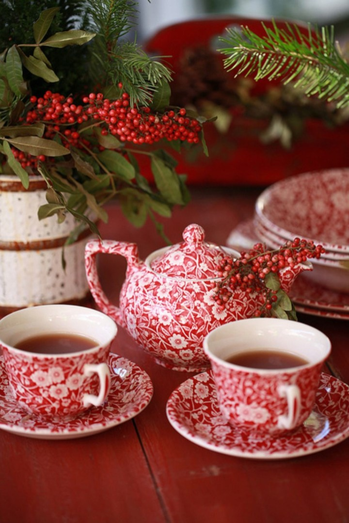 Beautiful Red Themed Kitchen Design Ideas For Christmas 42