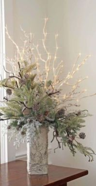 Elegant White Vintage Christmas Decoration Ideas 20