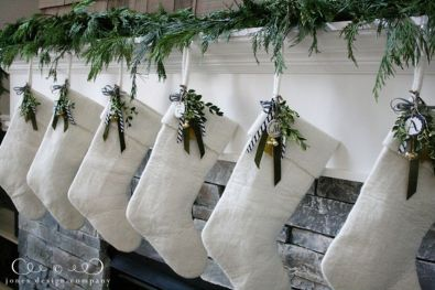 Elegant White Vintage Christmas Decoration Ideas 31