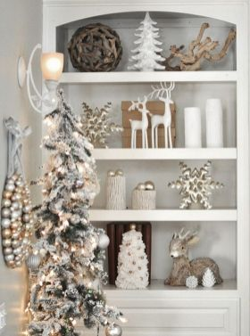 Elegant White Vintage Christmas Decoration Ideas 33