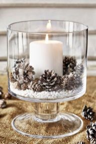 Elegant White Vintage Christmas Decoration Ideas 51