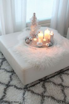 Elegant White Vintage Christmas Decoration Ideas 57