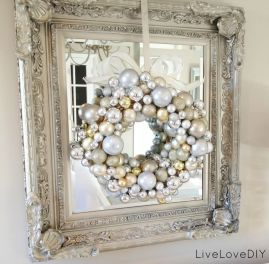 Elegant White Vintage Christmas Decoration Ideas 65