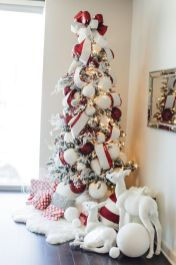 Elegant White Vintage Christmas Decoration Ideas 67