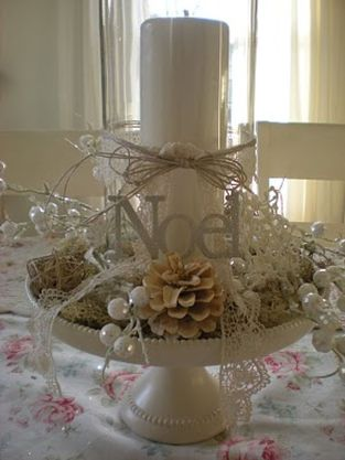 Elegant White Vintage Christmas Decoration Ideas 73