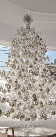 Elegant White Vintage Christmas Decoration Ideas 89