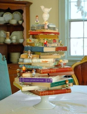 Elegant And Beautiful Tabletop Christmas Tree Centerpieces Ideas 36