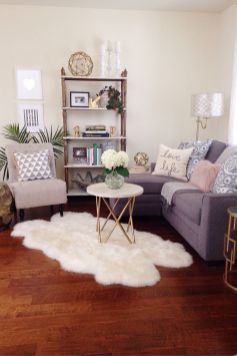 Modern And Elegant Living Room Design Ideas For Small Space 15