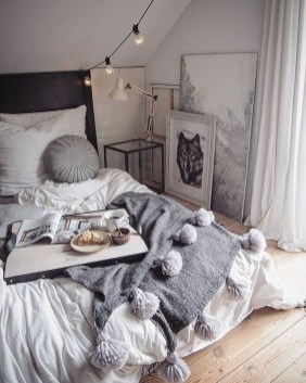 Totally Brilliant Bedroom Design Ideas For Small Apartment 47