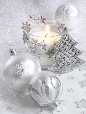 Amazing Silver And Blue Christmas Decoration Ideas For Christmas And New Year25