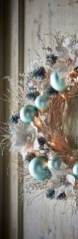 Amazing Silver And Blue Christmas Decoration Ideas For Christmas And New Year30