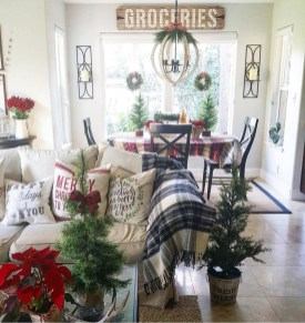 Brilliant Christmas Decoration Ideas For Small House 48