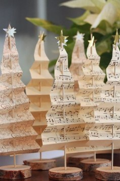 Brilliant And Inspiring Recycled Christmas Tree Decoration Ideas 11