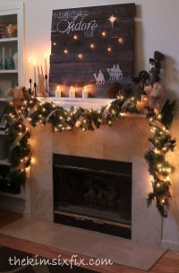 Cozy Fireplace Christmas Decoration Ideas To Makes Your Room Keep Warm11