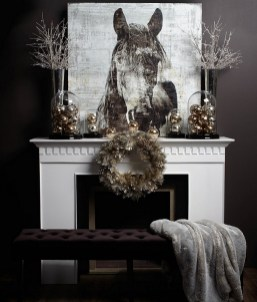 Elegant Black And Gold Christmas Decoration Ideas05