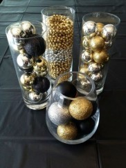 Elegant Black And Gold Christmas Decoration Ideas14