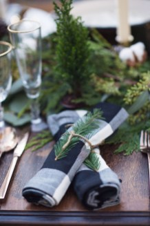Elegant Christmas Table Decoration Ideas11