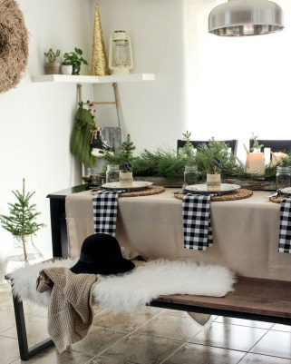 Elegant Christmas Table Decoration Ideas12
