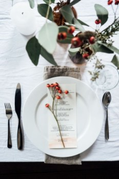 Elegant Christmas Table Decoration Ideas23