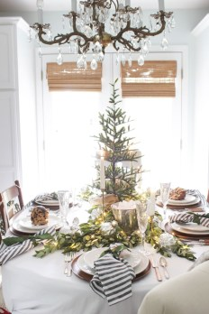 Elegant Christmas Table Decoration Ideas24
