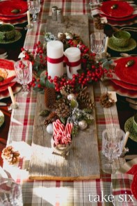 Elegant Christmas Table Decoration Ideas27