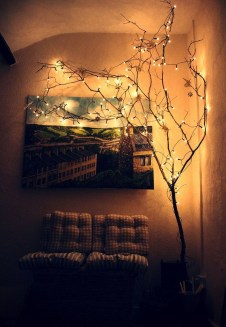Gergerous Indoor Decoration Ideas With Christmas Lights14