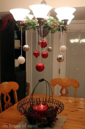 Gergerous Indoor Decoration Ideas With Christmas Lights22