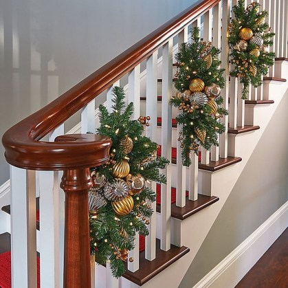 Gergerous Indoor Decoration Ideas With Christmas Lights29