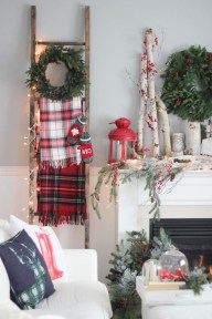 Gergerous Indoor Decoration Ideas With Christmas Lights35